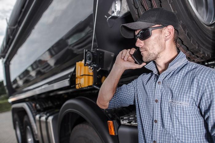 truck-phone-call-2019-02-27-10-12