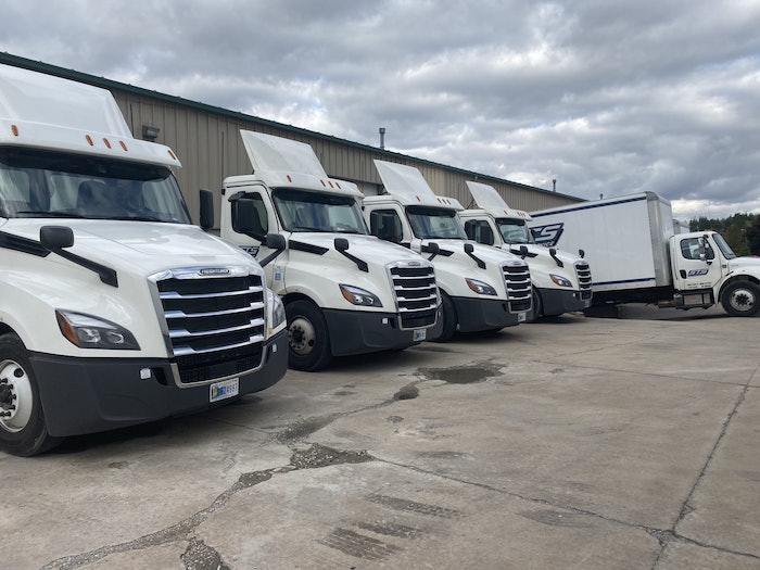 STS-Delivery-fleet-yard-daycabs-2020-07-20-10-21