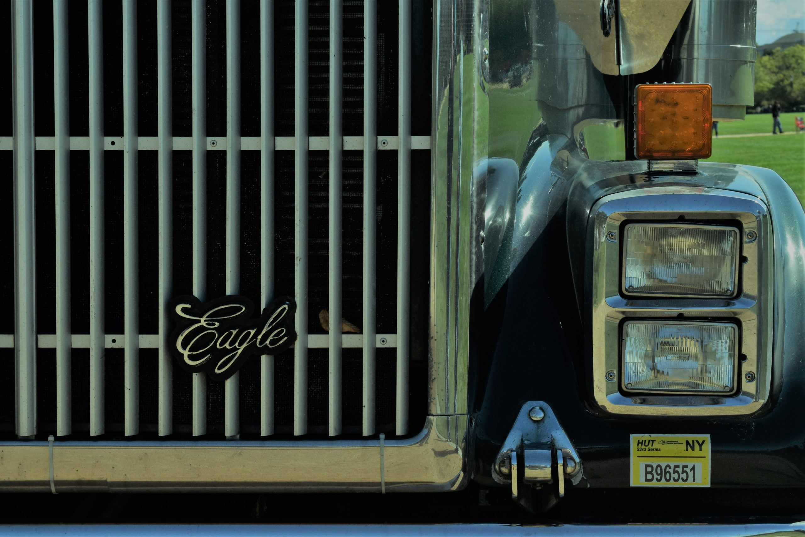 international eagle logo on the front grille of semi-truck