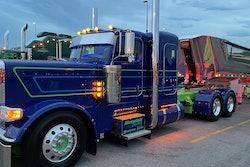 Hoewing Trucking's 2019 Peterbilt 389